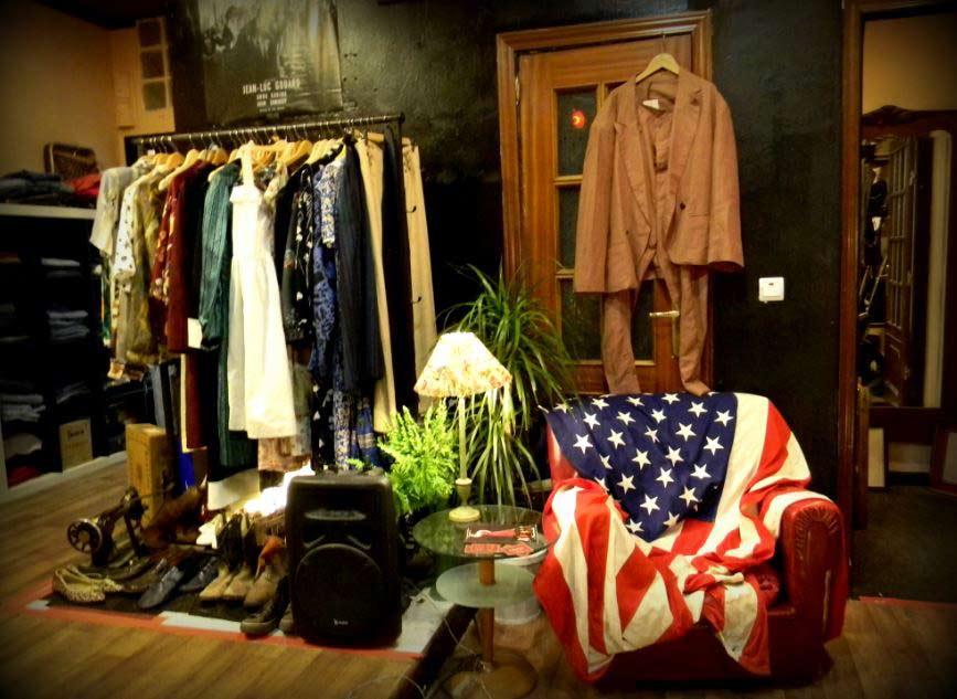 Interior de Alphaville, ropa y muebles