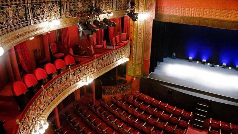 Interior del teatro lara