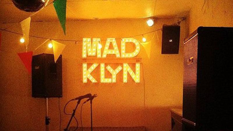 Zona de conciertos en directo en Madklyn