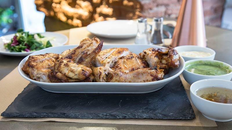 pollo al grill del restaurante