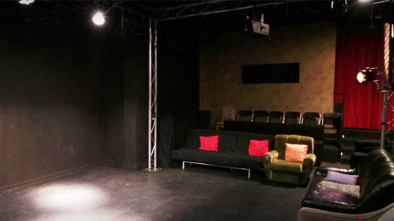 nueva sala intemperie teatro en malasa a malasa