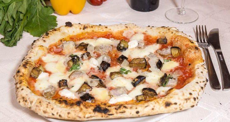 Restaurante Luna Rossa: auténtica pizza napolitana