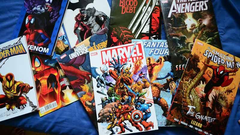 variedad de portadas de cómics de distintos personajes