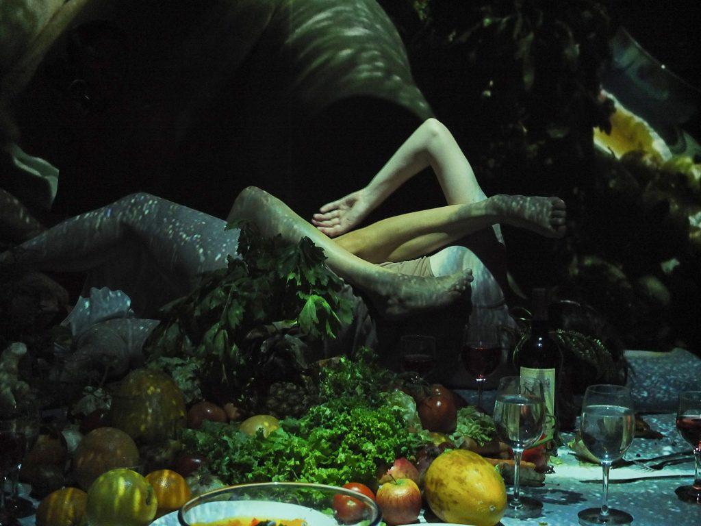 danza con verduras y frutas
