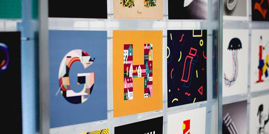 Imagen con letras con distintos colores y tipografías