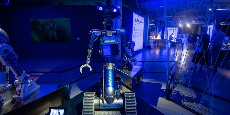 """Robor de la exposición """"Nosotros robots"""" en la Fundación Telefónica"""