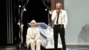 """El funeral"" de Concha Velasco triunfa en el teatro La latina"