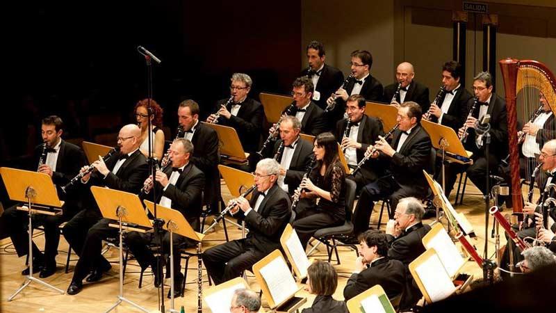 Banda Sinfónica Municipal tocando en el teatro