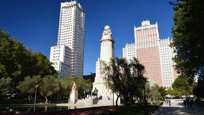 Espacio verde en Plaza España