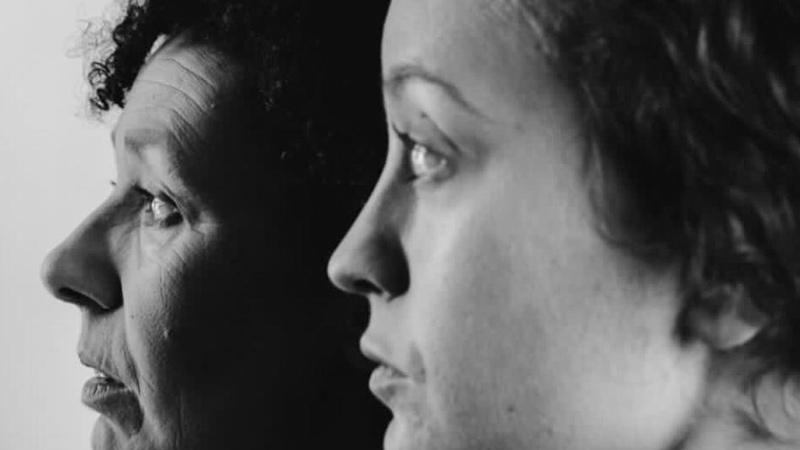 Retrato del perfil de dos actrices de Zarabanda