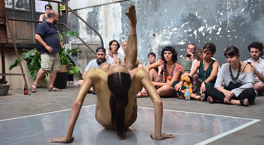 Madrid en crudo, artista bailando